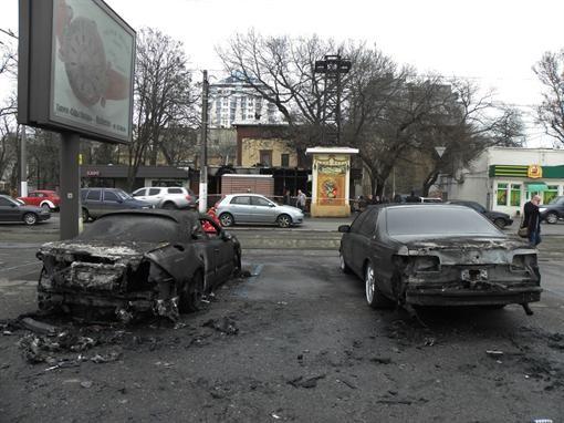 Бар с машинами в Одессе подпалили мошенники