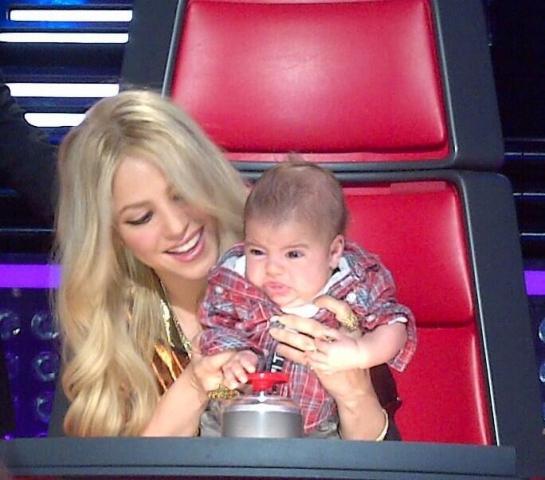 Шакира идет на работу с собственным 3-месячным сыном (фото)