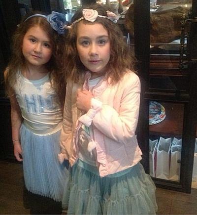 Денис Клявер в первый раз продемонстрировал собственную дочь от Евы Польны (фото)