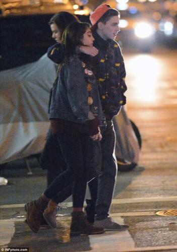 Дочь Мадонны выходила на 1-ое рандеву (фото)
