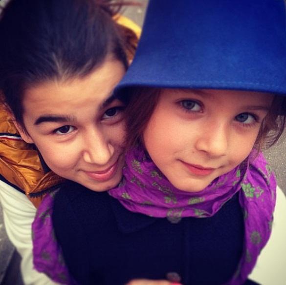 Евгений Ургант продемонстрировал собственных дочурок (фото)