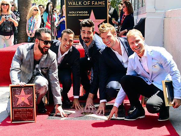 "Backstreet Boys приобрели звезду на ""Улице популярности"" в Голливуде"
