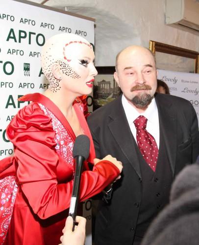 Елена Ленина постриглась налысо ко дню рождения Ленина (фото)