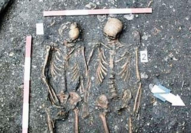 В монастыре обнаружены остатки Ромео и Джульетты (ФОТО)