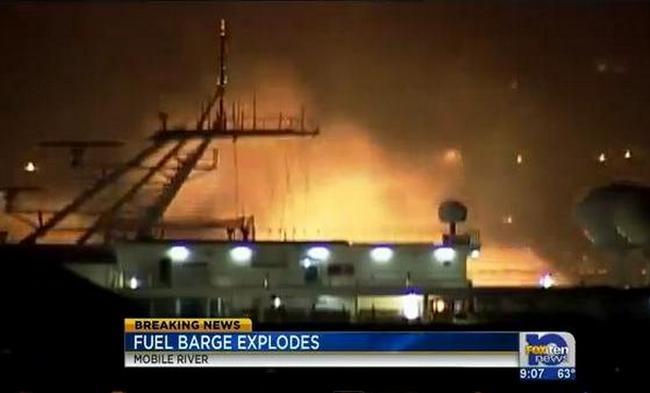 В штате Алабама подорвались 4 баржи с газом