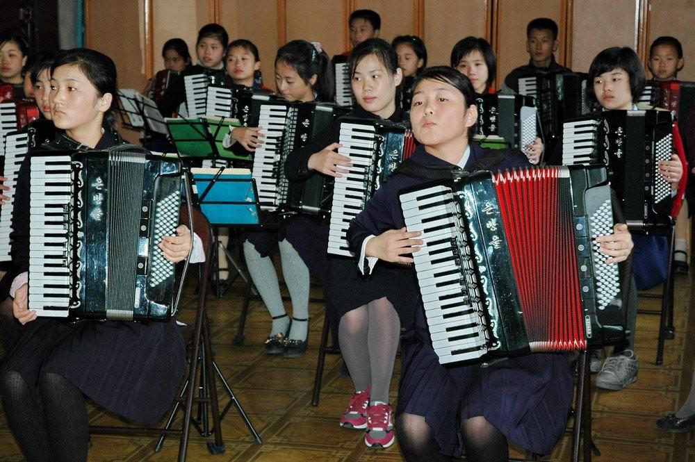 Как смотрится Дворец пионеров в КНДР? (ФОТО)