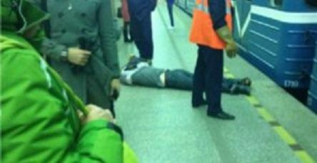 В киевской метро парень ринулся под поезд