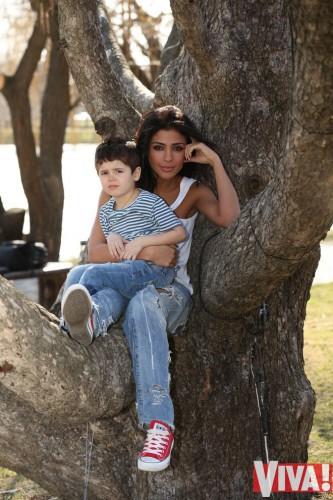Санта Димопулос в первый раз продемонстрировала почитателям собственного сына