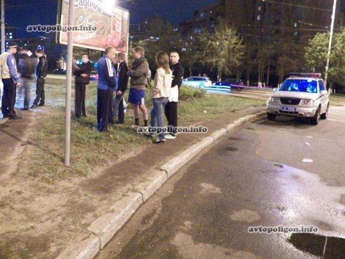 В Киеве работники ГАИ сшибли прохожего