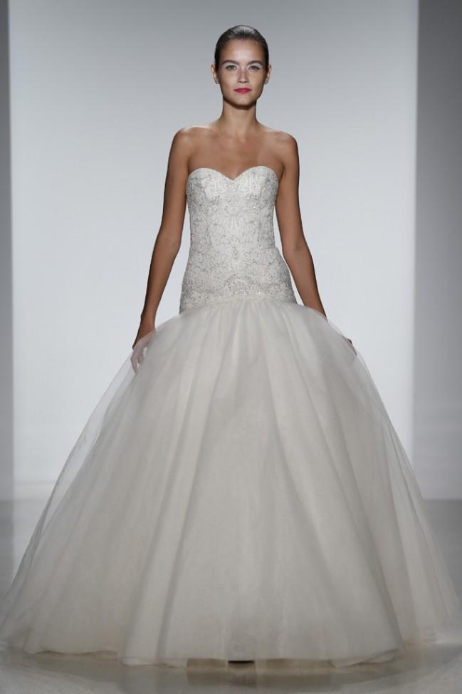 Топ-10 самых лучших свадебных платьев на Неделе моды в Нью-Йорке