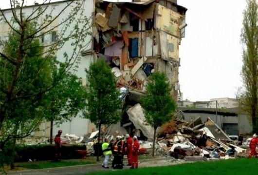 Во Франции рухнул дом: 3 человека были убиты