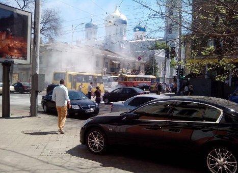 В центре Одессы на ходу занялся авто
