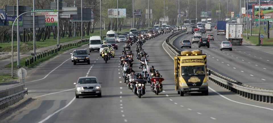 В Киеве раскрылся байкерский год (ФОТО)