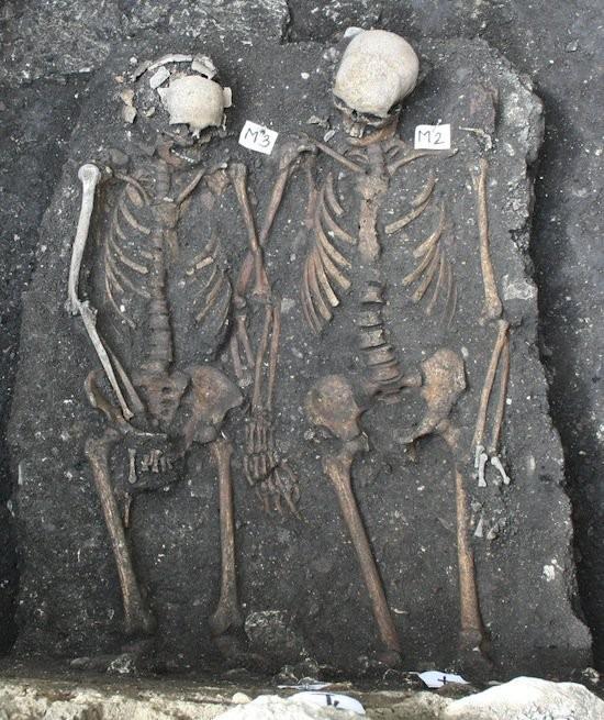 В Румынии археологи обнаружили костяки увлеченных