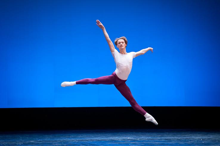 Звезда всемирного балета оставляет НОУ из-за дебоша