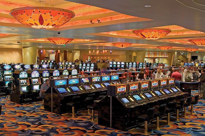 Кто-то желает стать единым владельцем всех казино Украины