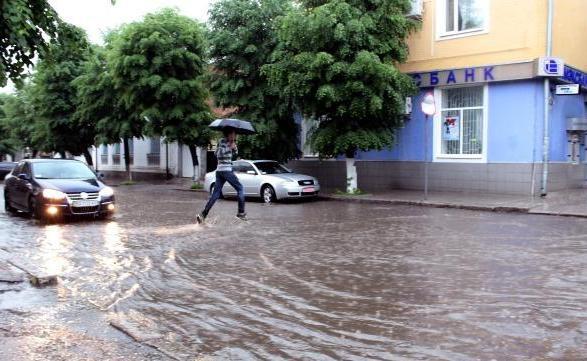 Елизаветград после грозы преобразовался в Венецию (фото)