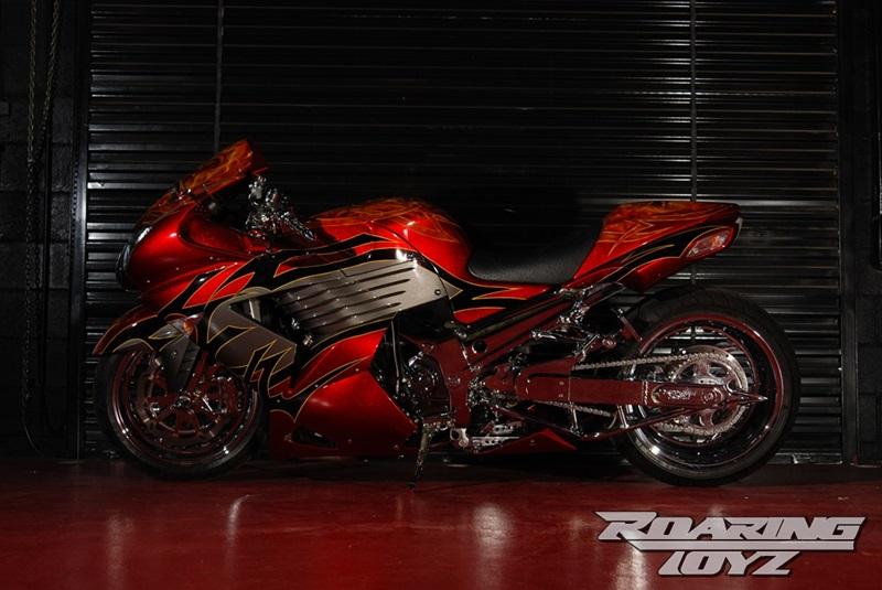 Тюнингованный мотоцикл Kawasaki ZX-14R Tribal от Roaring Toyz
