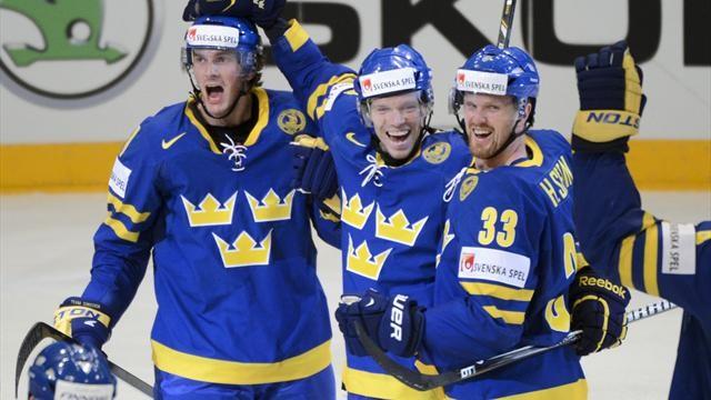 Шведы стали первыми финалистами