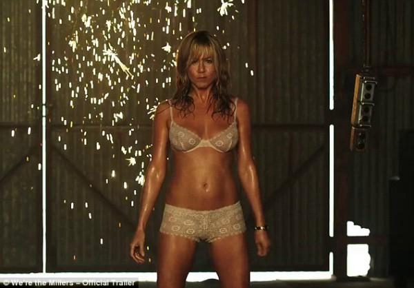 44-летняя Дженнифер Энистон обнажилась в новом кинофильме (фото)