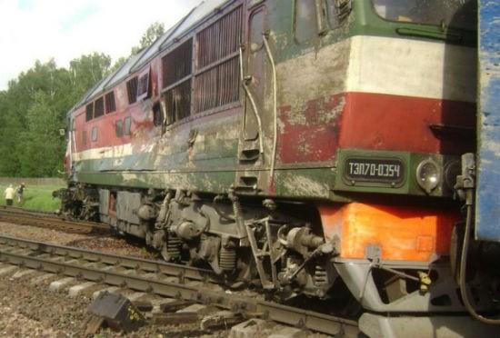 В Белоруссии российский поезд встретился с КАМАЗом