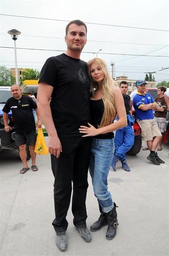Сын Януковича с супругой посетил Крым на ралли-рейд (ФОТО)