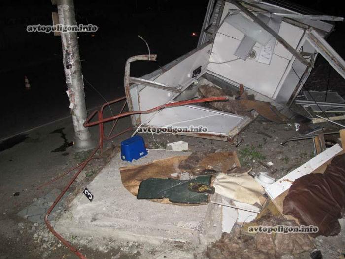 В Киеве опьяневший на Ауди насмерть сшиб на тротуаре учащегося