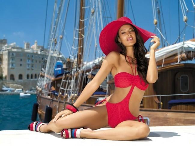 Было обнародовано какие купальные костюмы будут в моде этой осенью