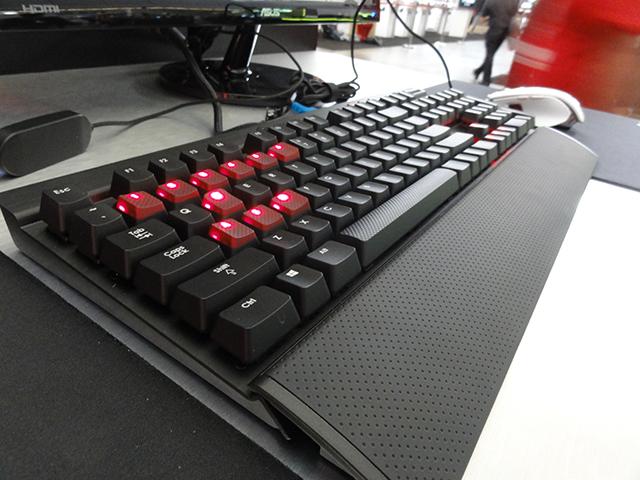 Corsair продемонстрировала игровые клавиатуры Vengeance и Raptor
