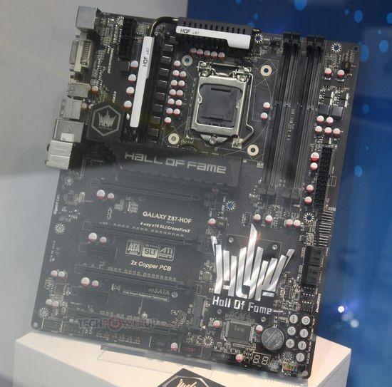 Организация Галакси продемонстрировала оперативную память Z87-HOF