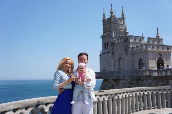 Лилия Ребрик с супругом продемонстрировали дочери Крым (фото)