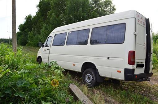 На Харьковщине опрокинулся автобус
