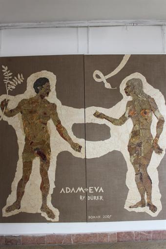 Во Львове продемонстрировали картины из высушенных насекомых и крыс