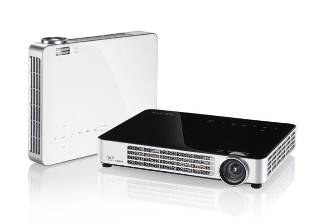 Проектор Vivitek Qumi Q7 с мультимедийными полномочиями