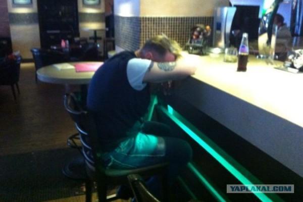Опьяневший Гарик Сукачев прозевал собственный вечер в Хабаровске
