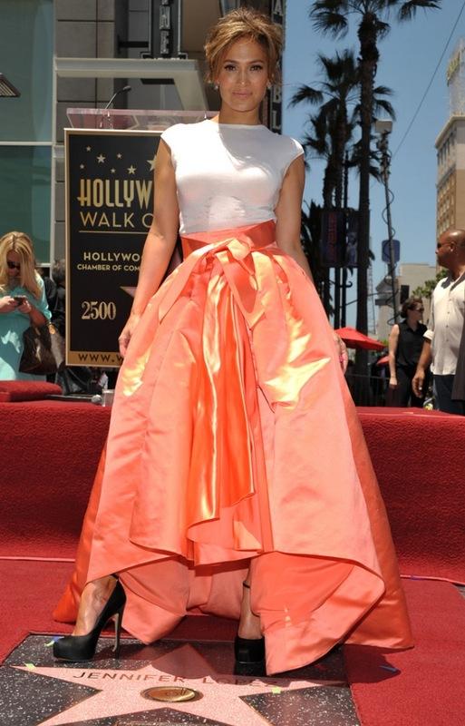 "Джей Ло обрела звезду на ""Улице популярности"" в Голливуде (фото)"