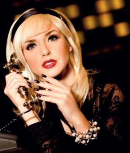 Ксения Марченко стала броской блондиночкой (фото)