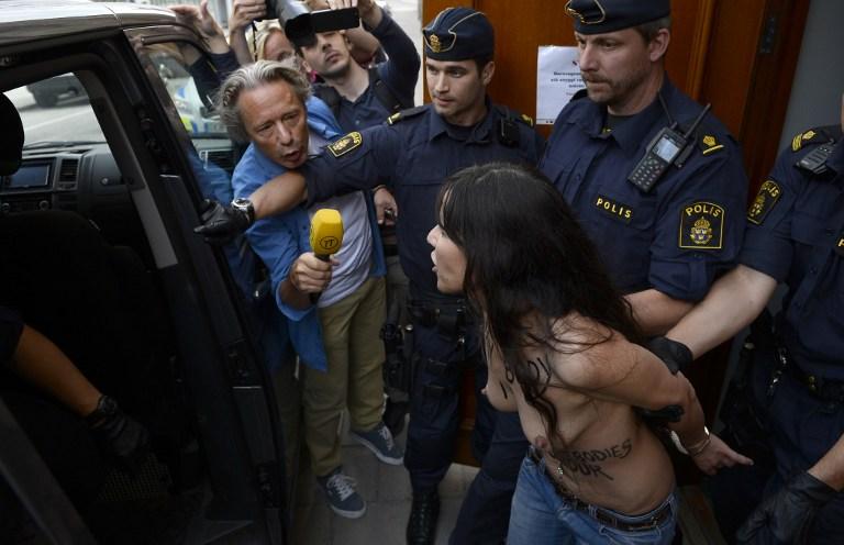 Активистки перемещения FEMEN разнуздались в мечети Стокгольма