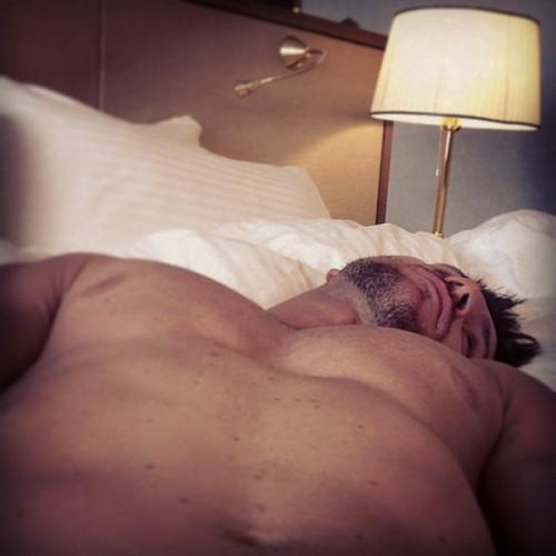 Сергей Лазарев сообщил в Instagram постельные фотографии (фото)