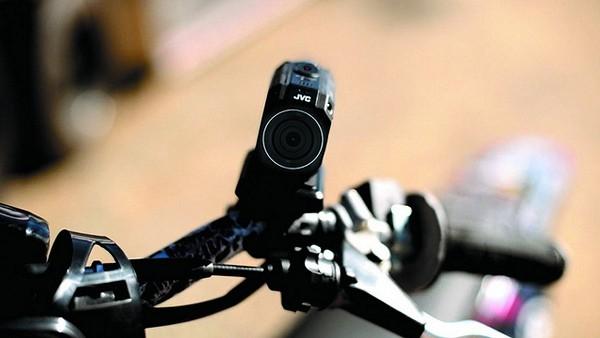JVC GC-XA2 ADIXXION:всепогодная камера