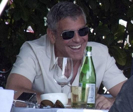 Джорджа Клуни забросили по телефонному номеру