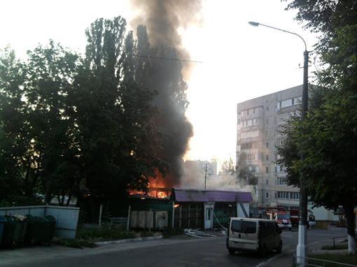 Ни Киевщине сгорел продовольственный магазин