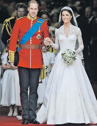 Началась выставка свадебных уборов известных людей