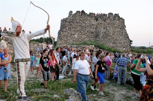 В Крыму для путешественников ежедневно удовлетворяют средневековые поединки