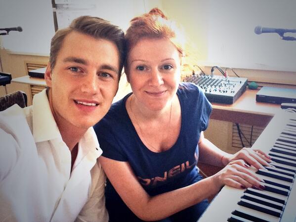 Алексей Воробьев в первый раз спел со сцены после трагедии