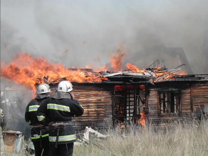 В Коктебеле начался пожар в личной гостинице (ФОТО)