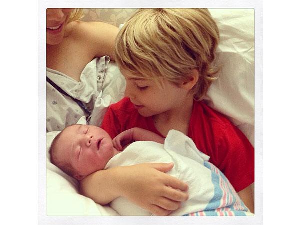 Кевин Ричардсон продемонстрировал собственного новорожденного сына (фото)