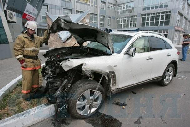 Опьяневший автолюбитель Инфинити организовал в Киеве большое ДТП