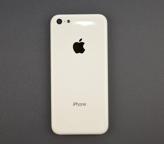 Эпл Айфон 5C: фото экономного телефона