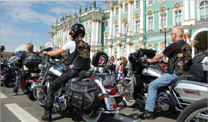 В Санкт-Петербурге проходит грандиозный фестиваль байкеров